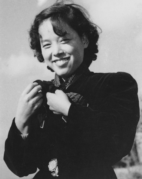 "Myung-hee Kim with whom Moon had an illegitimate child (Hee-jin Moon born in Japan in 1955) while Moon was still married to his first wife, Sun-kil Choi. Choi could not endure Moon's many sexual relationships and divorced Moon on January 8, 1957. In a 1993 interview Sun-kil Choi said: ""My husband made relationships one after another by deceiving those women. I kept thinking that I couldn't bear such a life any longer – so this was the reason for my divorce."""
